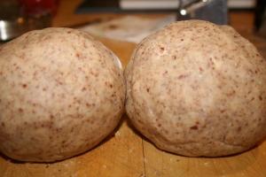 2 nutty balls