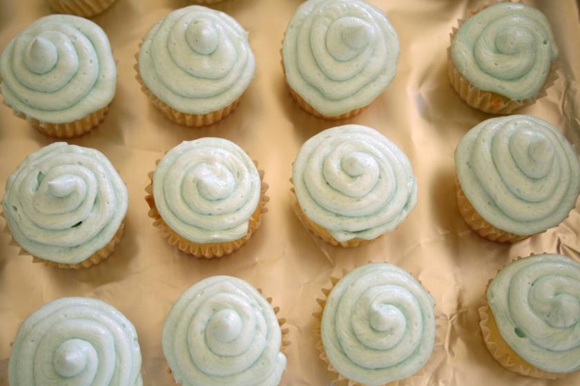 vanilla cupcakes 9