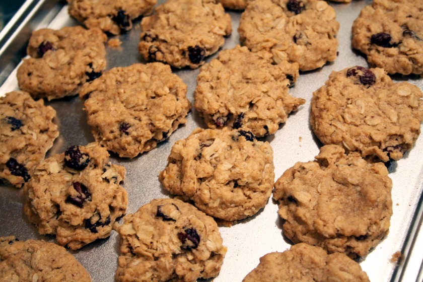 vegan oatmeal raisin cookies 3