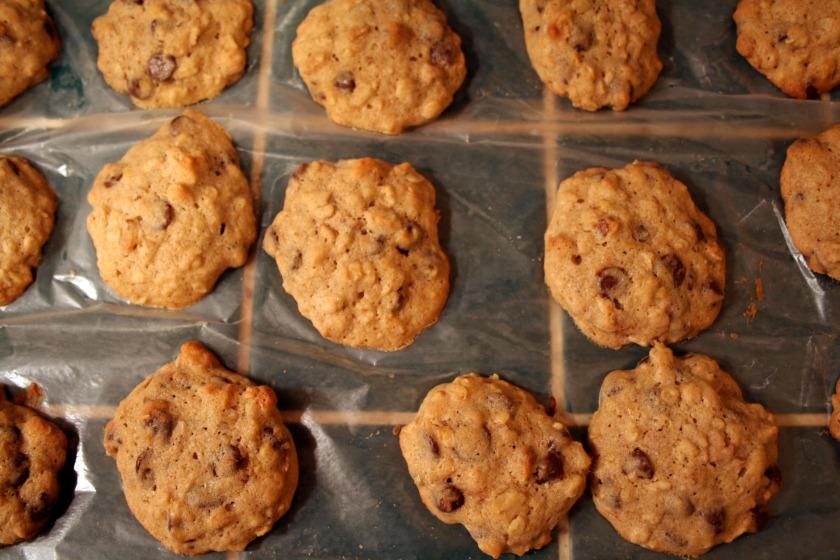 banana walnut chocolate chunk cookies 1