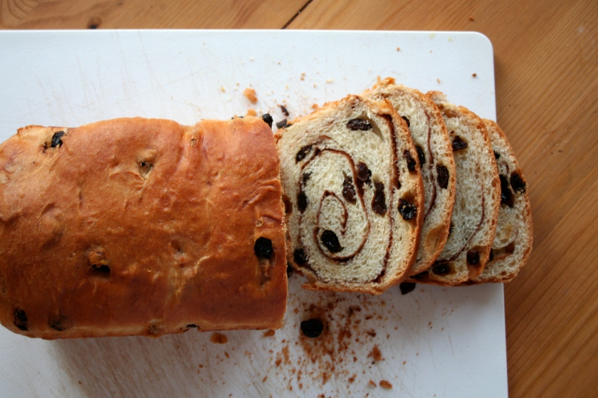 cinnamon raisin loaf 1